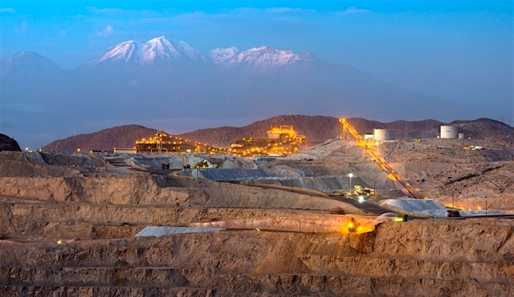 peru-freeports-cerro-verde-copper-mine-in-peru-hit-by-strike.jpg